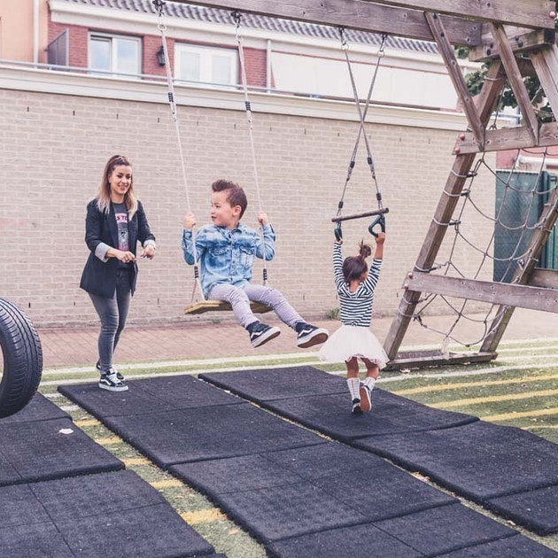 At Charly Cares you will find babysitting jobs in Leiden