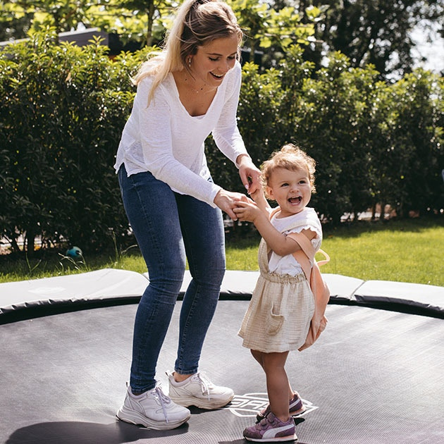 Babysitting in Utrecht: find your babysitting job via the Charly Cares babysitting app